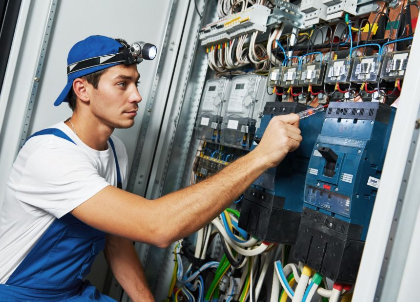 How to Select a Good Electrician for Your Home